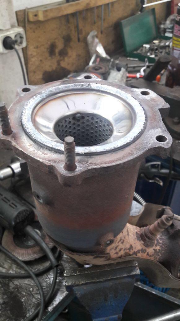 Замена катализатора на пламегаситель Land Rover Freelander